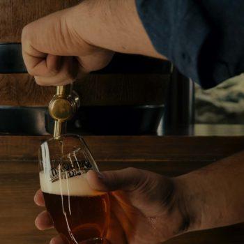 Madonas alus. Izlejamais alus muciņās